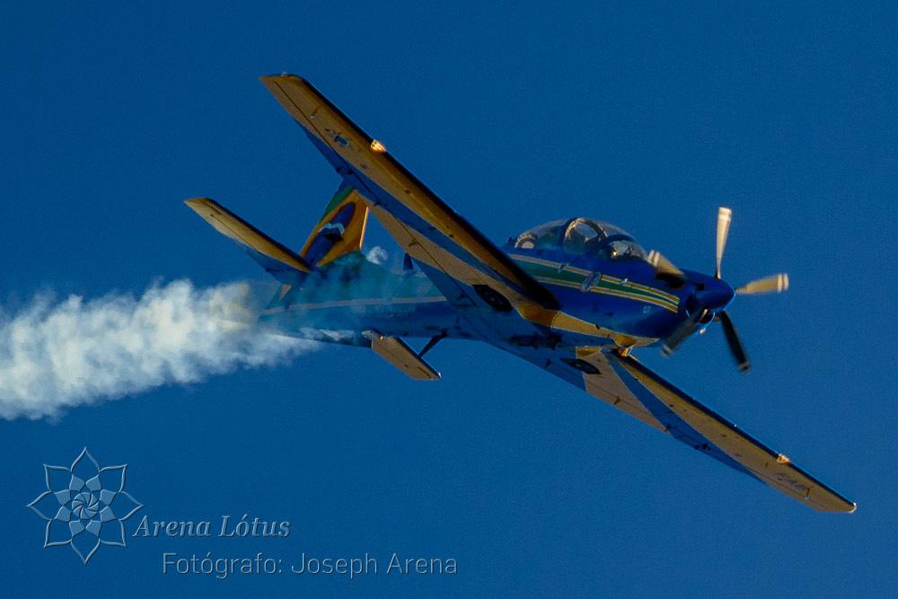 avioes-planes-esquadrilha-da-fumaça-campos-do-jordao-joseph-arena-lotus-arenalotus-fotografo-photographer-fotografia-photography-006